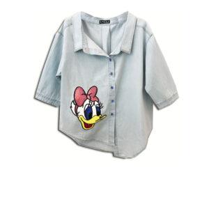 CRG.261 Ελληνική εταιρεία ρούχων και αξεσουάρ χειροποίητο Άνετο κοντό Πουκάμισο βαμβακερό Κεντημένα κουμπιά στο χέρι χρησιμοποιώντας αυθεντικά κρύσταλλα μπλέ Swarovski daisy duck cartoon looney toons