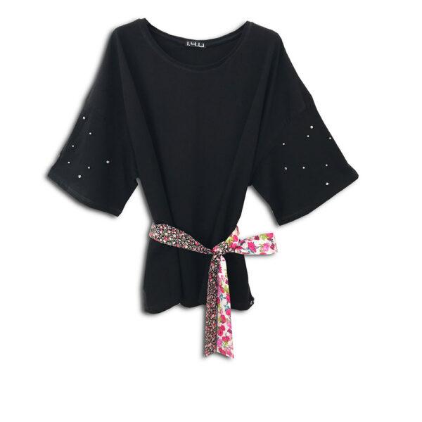320.03 14U ελληνική εταιρεία ρούχων αξεσουαρ μπλούζα ένα μέγεθος τοπ χειροποίητο fashion μονόχρωμο άνοιξη καλοκαίρι θετική ενεργεια style γυναικείο γυναίκα υπέροχο όμορφο όλη μέρα νύχτα καθημερίνο κεντημένο με εμπριμέ λουλουδάτες κορδέλες