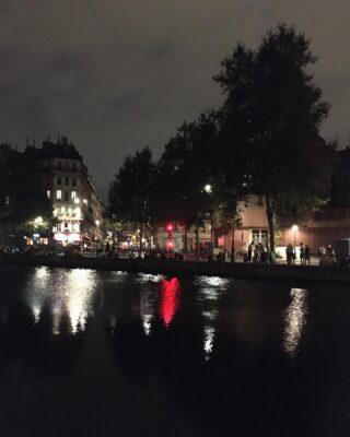 Fall. 🚨  #paris #14UgoestoParis #life #fall #friday #night