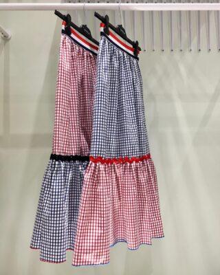 A navy cotton poplin skirt is never out of style. 🚩  #greekbrand #greekdesigners #madeingreece #navy #summer #cruise #fashion #skirt #cottonpoplinshirt #cottonpoplin #best #redandblue #blueandred #handmade #style #navystyle #cruise2021