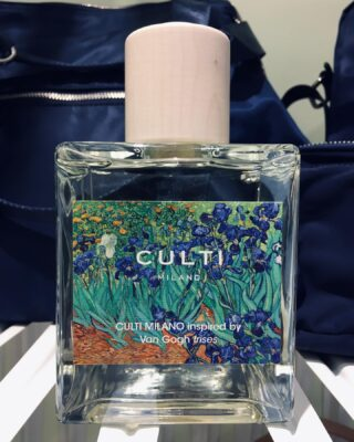 Culti Van Gogh IRISES 500ml diffuser. Live the experience of watching art and smell your home like a place in heaven. 🖼  #culti #cultimilano #home #homediffuser #diffuser #vincentvangogh #vangogh #iris #irises #casa #art #artwork #painting #parfum #homeperfume