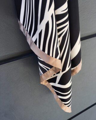 The perfect timing for Cucciolo Scarf! 🥨  #fall #fashion #fashionaccessories #greekbrand #greekdesigners #accessories #scarf #blackandwhite #classy #classic #fw2021 #fw21 #style